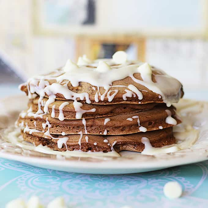 White Chocolate Chip Brownie Batter Pancakes - Creme De La Crumb