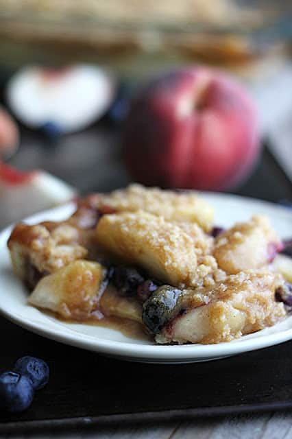 Blueberry Peach Cobbler Crisp with Vanilla Maple Cream Sauce
