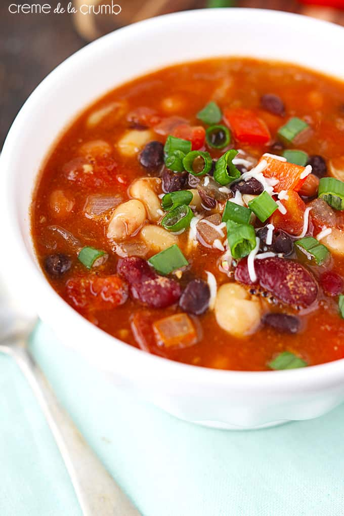 Five Bean Vegetarian Chili - Creme de la Crumb