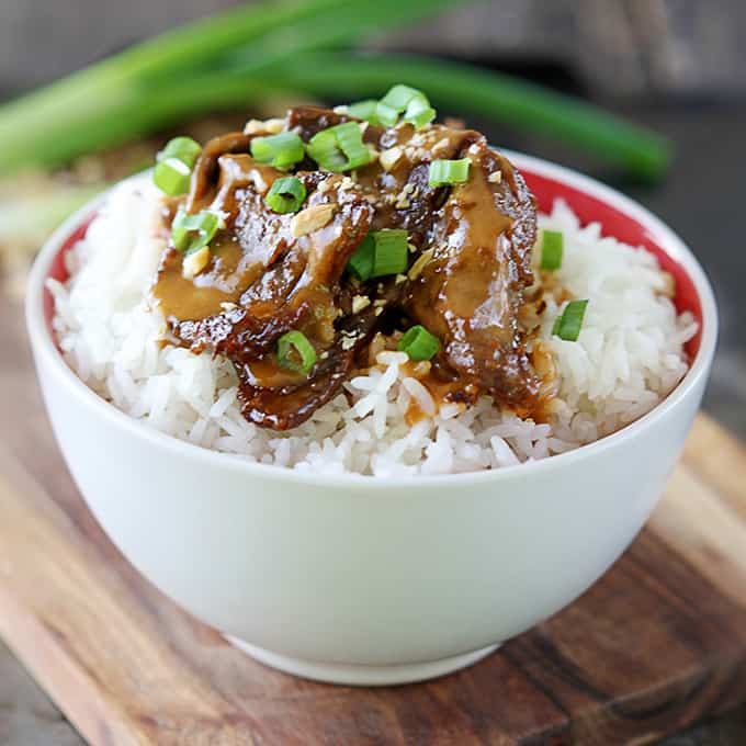 Thai Peanut Beef {5 ingredients} | Creme De La Crumb