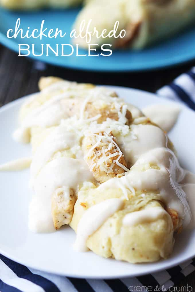 Chicken Alfredo Bundles {5 ingredients!}
