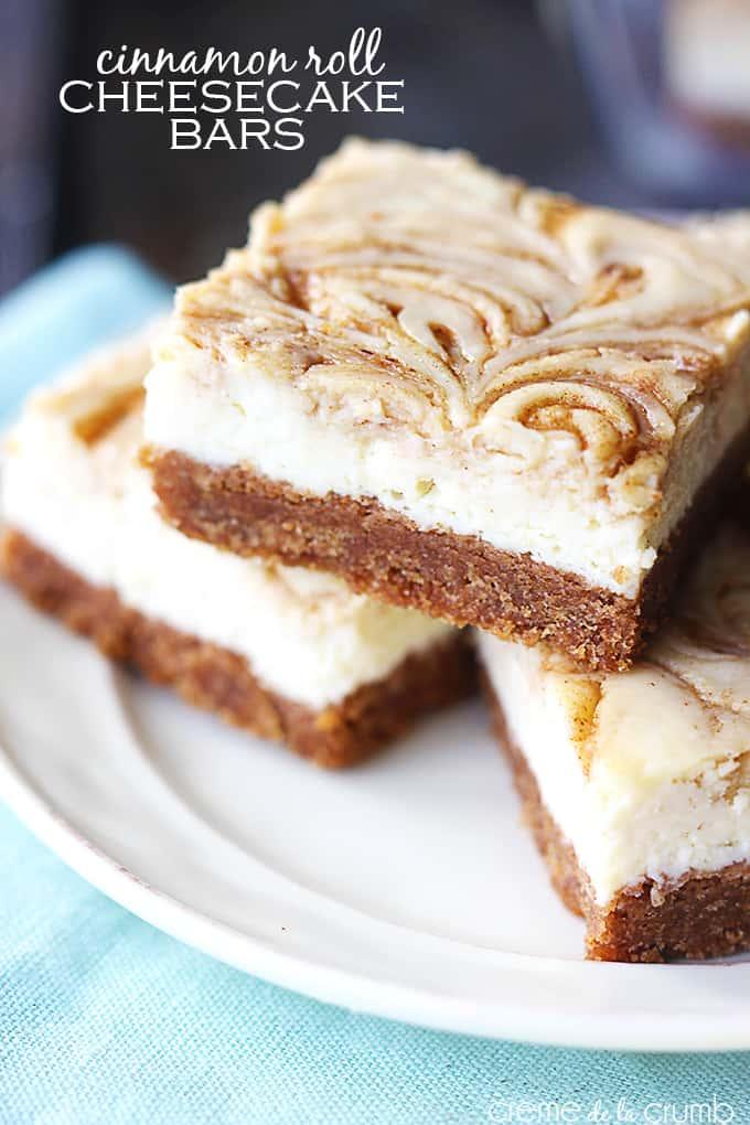 Cinnamon Roll Cheesecake Bars - Creme de la Crumb