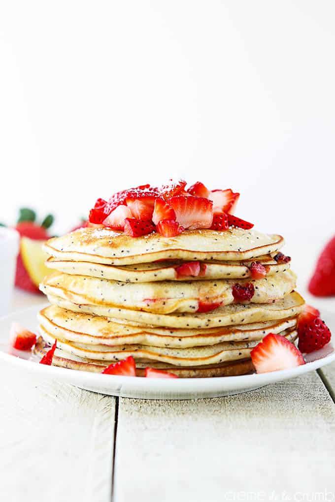 Strawberry Lemon Poppyseed Pancakes - Creme de la Crumb