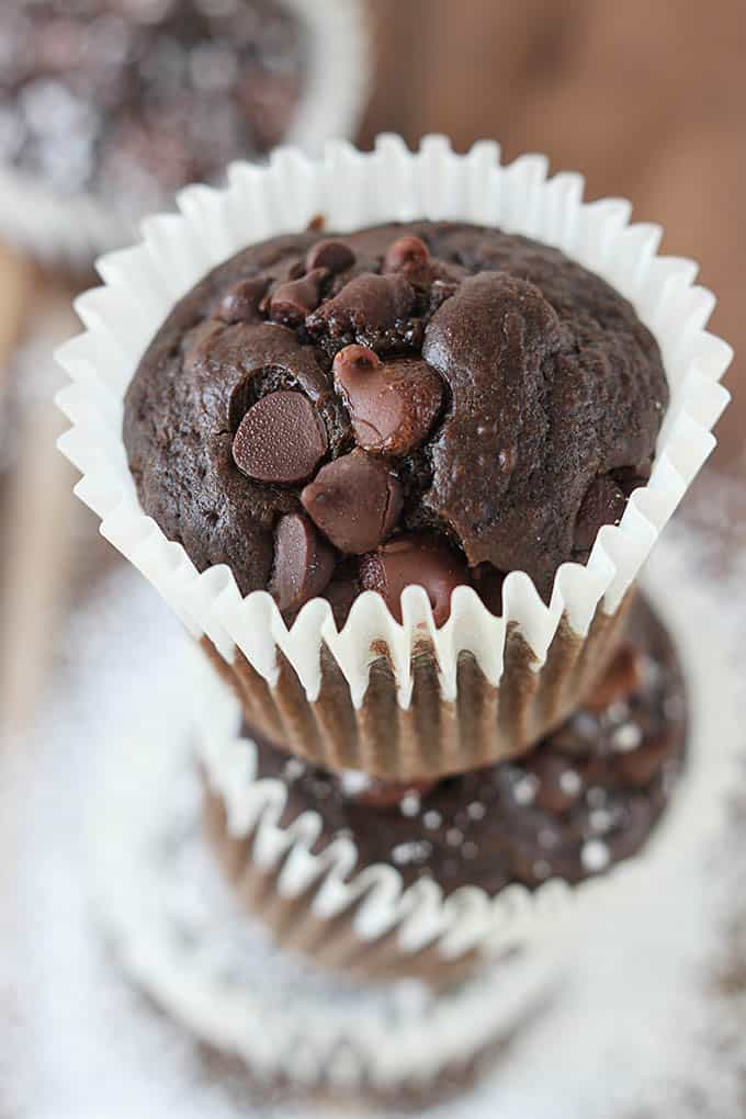 Triple Chocolate Chip Muffins | Creme de la Crumb