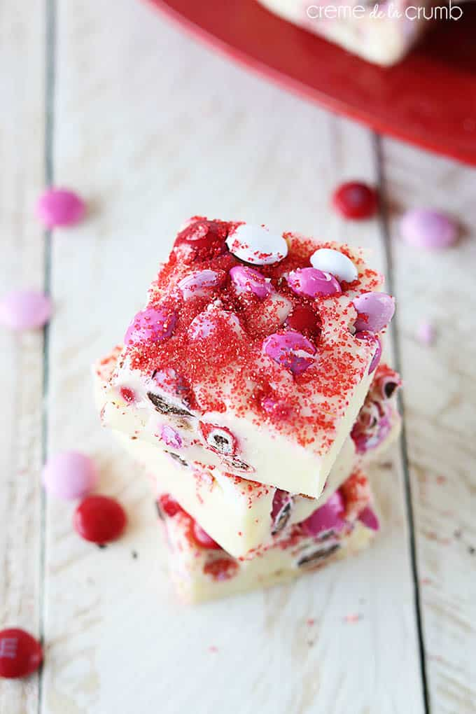 3 Ingredient Valentines Day M&M Fudge - Creme de la Crumb