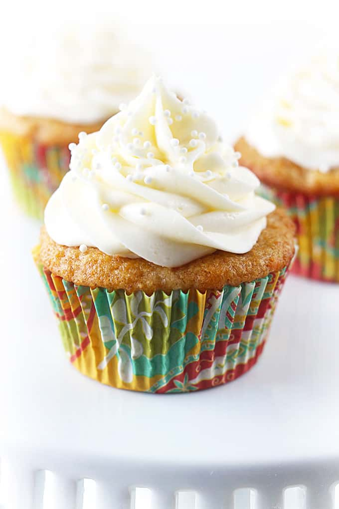 Carrot Cake Cupcakes with Cream Cheese Frosting – These cupcakes are ...