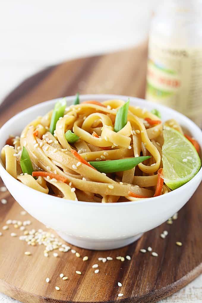 Sesame Peanut Noodles – These healthy peanut noodles have a light ...