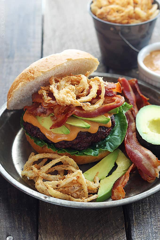 western-bacon-burger-onion-strings-10