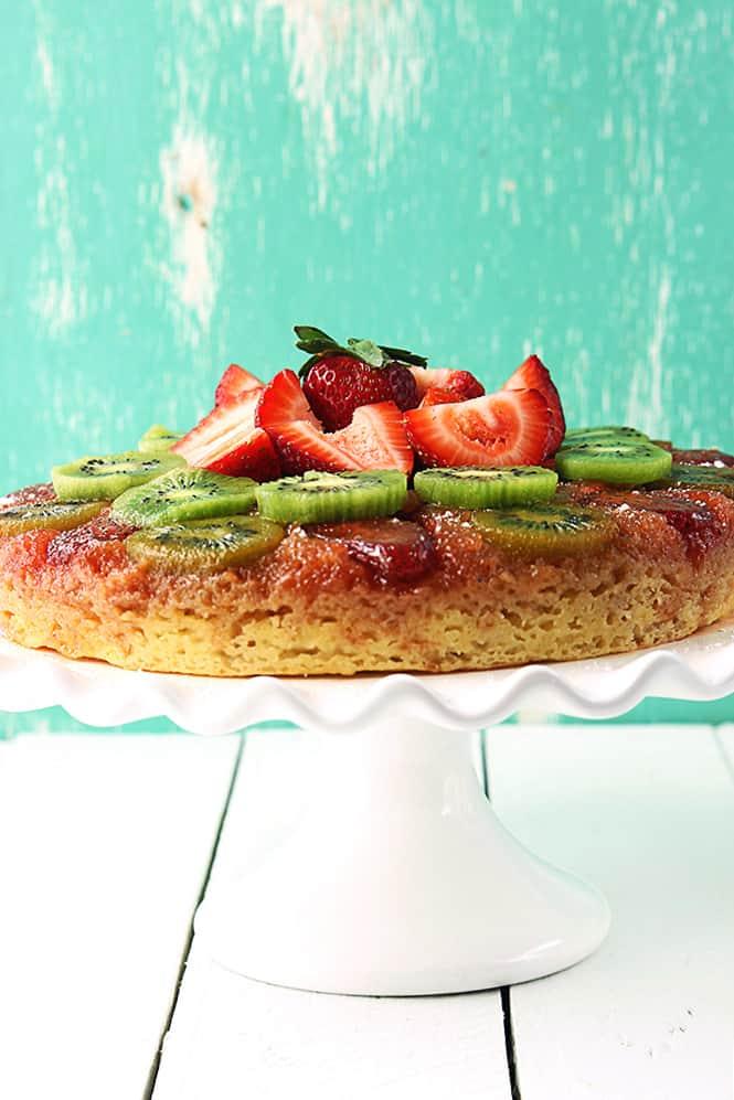 strawberry-kiwi-upside-down-cake-2