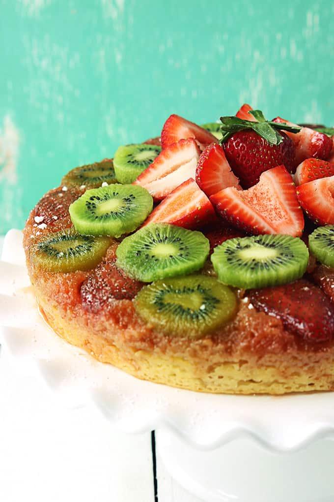 strawberry-kiwi-upside-down-cake-3