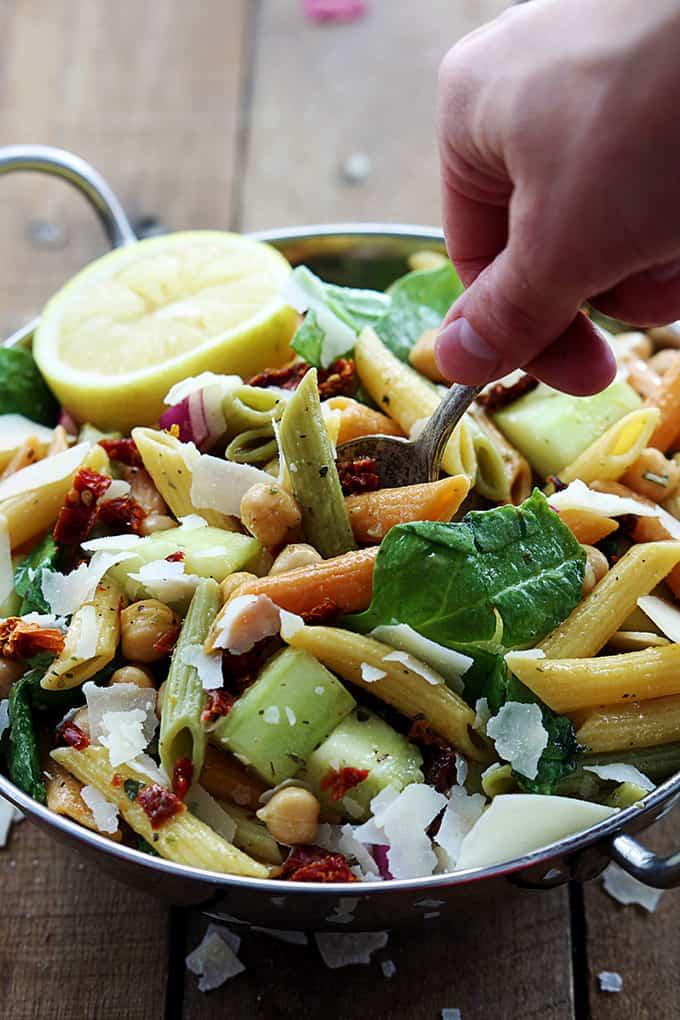 Greek Pasta Salad - Creme De La Crumb