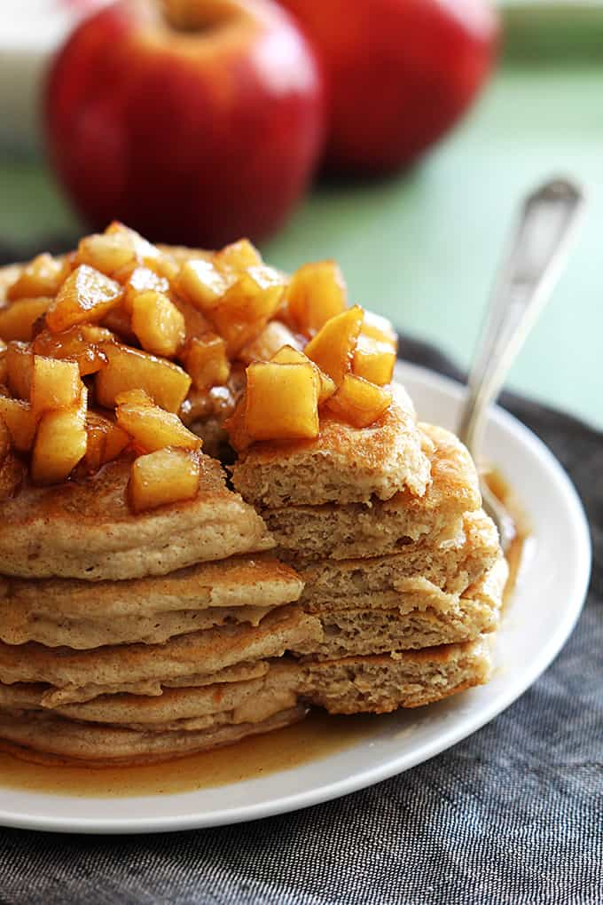 Apple Cinnamon Pancakes - Creme De La Crumb