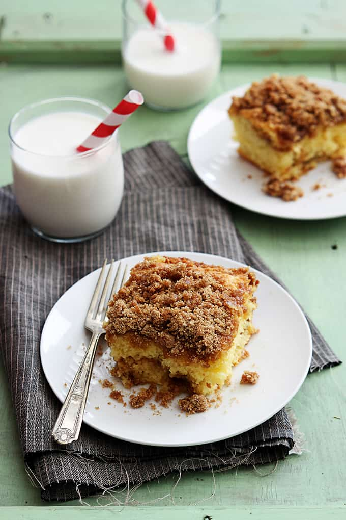 Cake Mix Sour Cream Coffee Cake - Creme De La Crumb