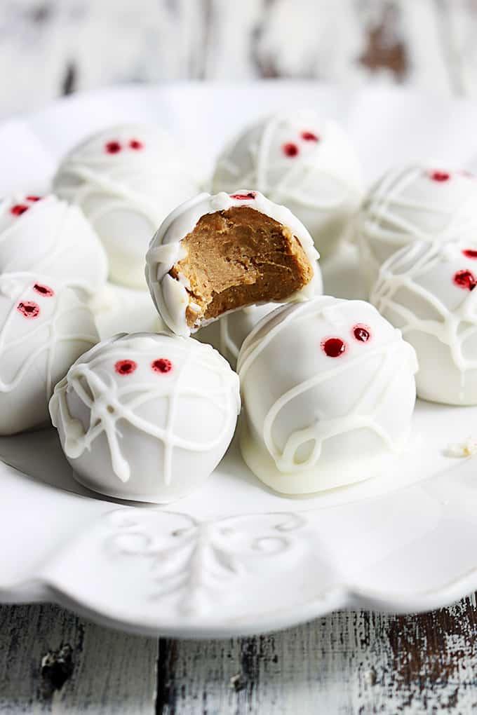 mummy-pumpkin-cheesecake-truffles-3.jpg