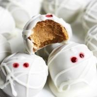 Pumpkin Cheesecake Truffle Mummies (No Bake)