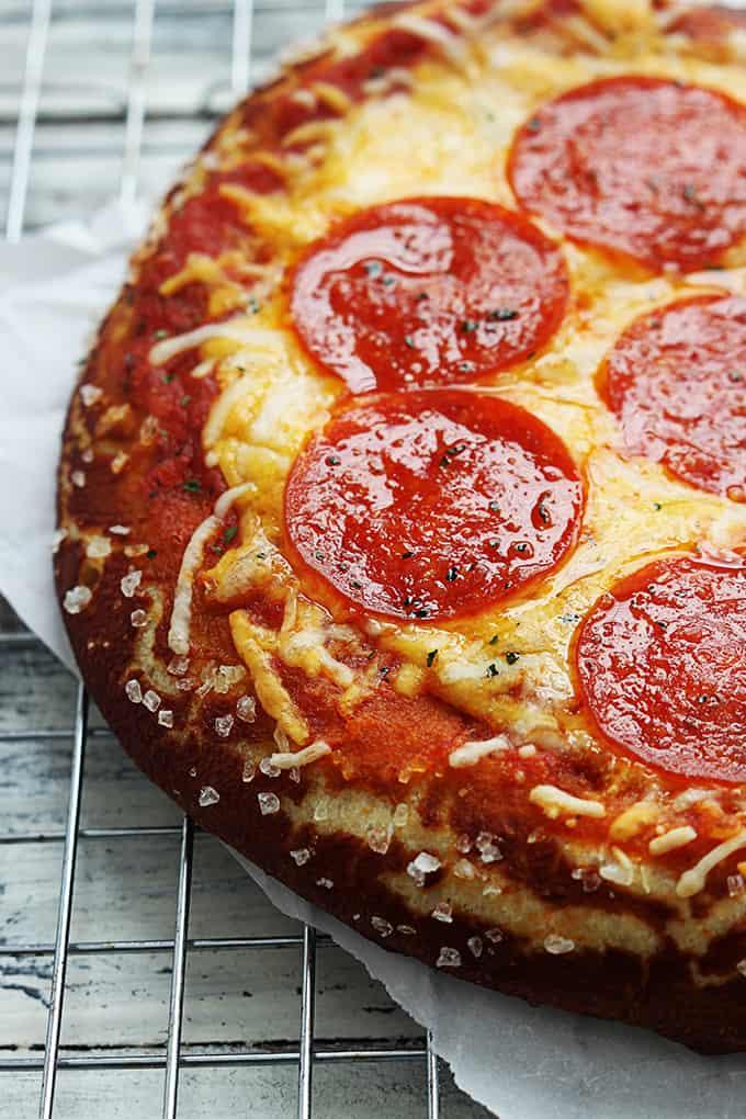 Pretzel Crust Pizza Creme De La Crumb
