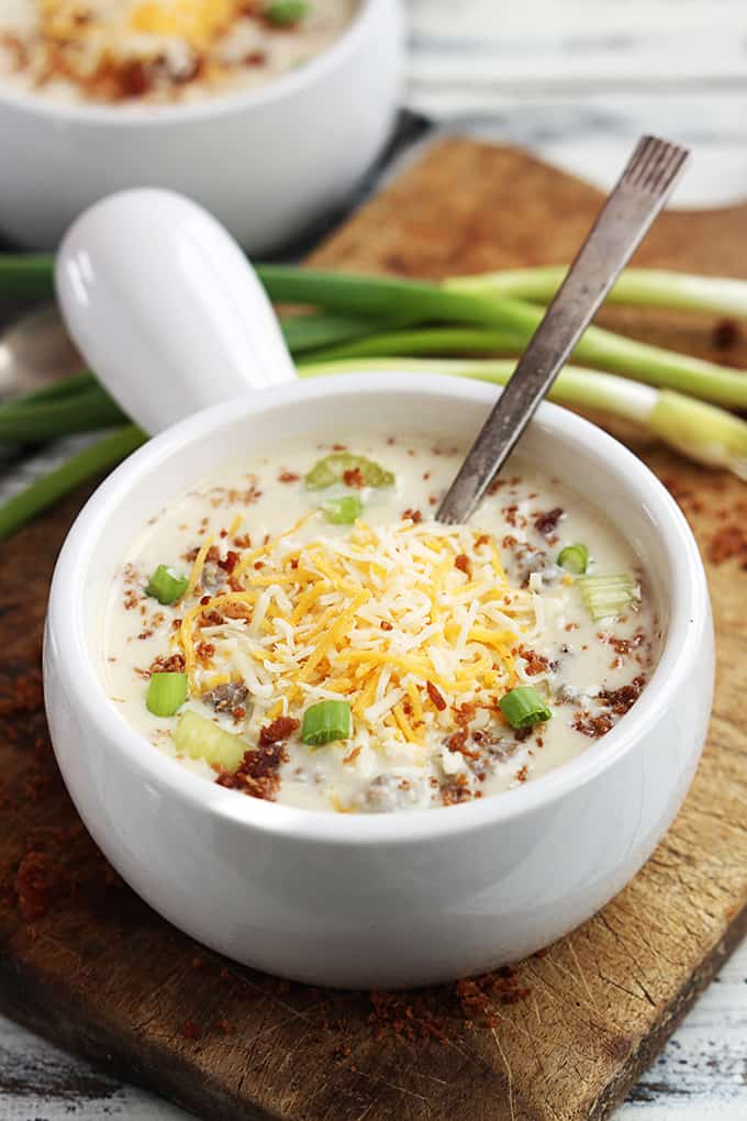 slow-cooker-cheeseburger-soup-5