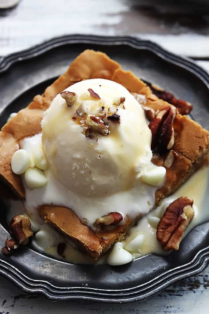 Applebee's Maple Nut Blondie with Cream Sauce