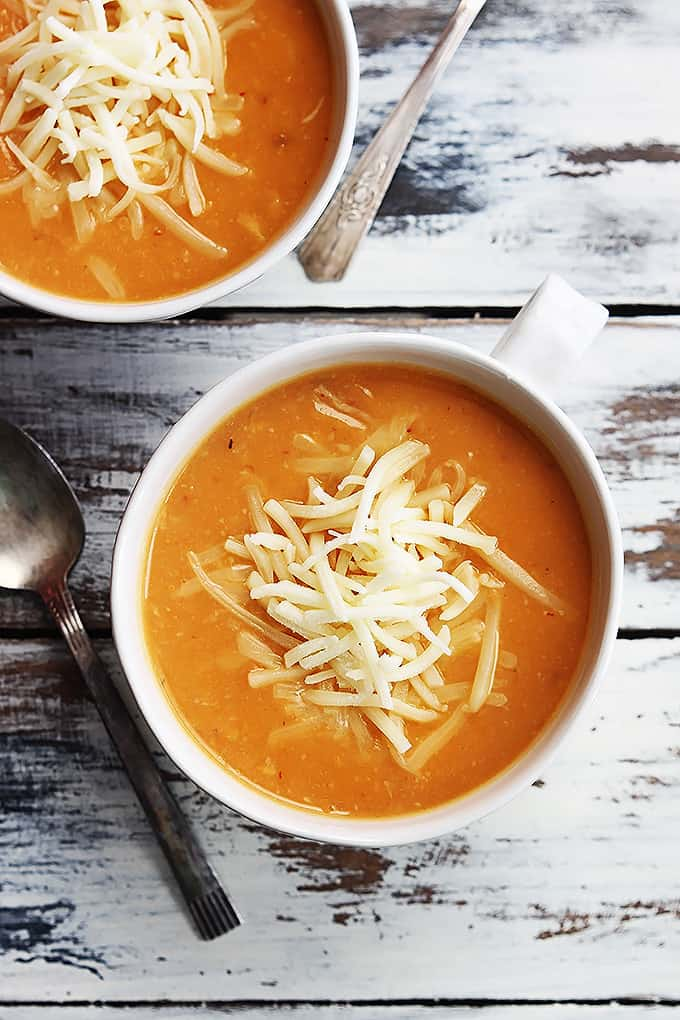 Chipotle Cheddar Cauliflower Soup