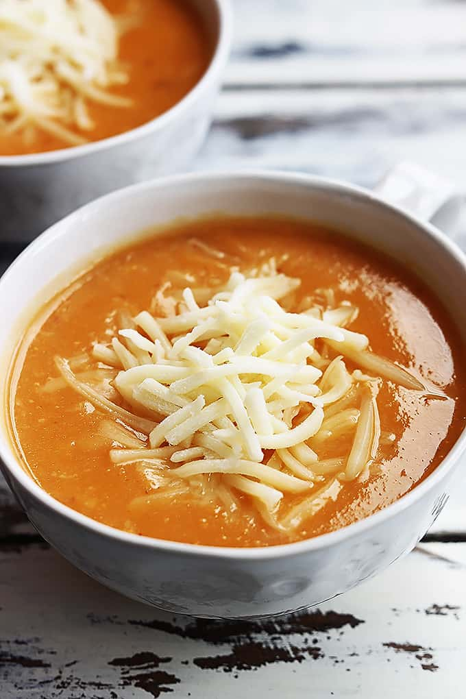 Creamy cheddar cauliflower soup with a spicy chipotle kick – I love ...