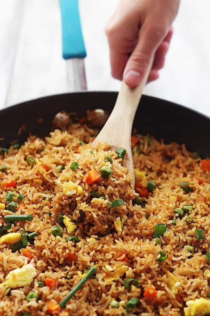 The BEST quick and easy fried rice recipe with all of the restaurant ...
