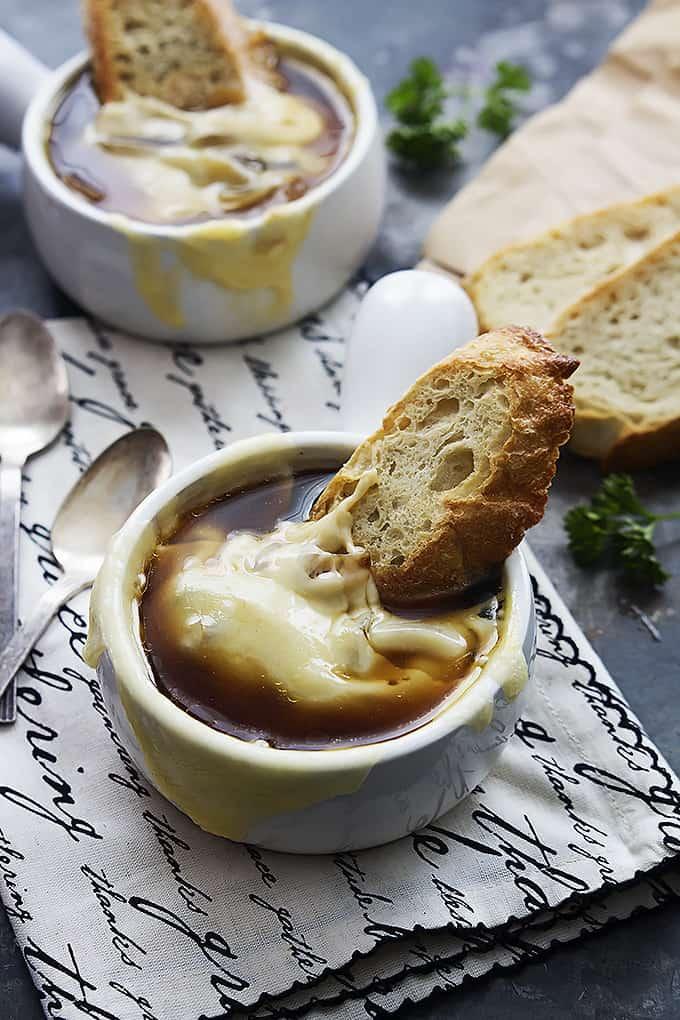 Slow Cooker French Onion Soup | Creme De La Crumb