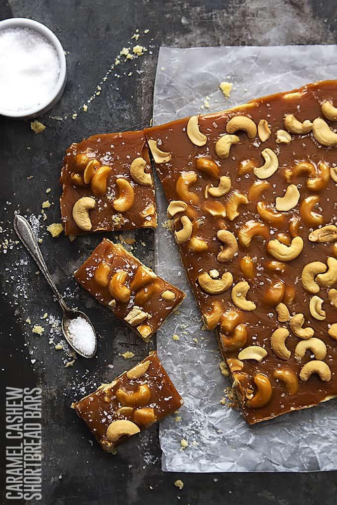 Caramel Cashew Shortbread Bars | Creme de la Crumb