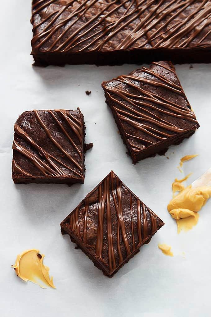Flourless Fudgey Peanut Butter Brownies | lecremedelacrumb.com