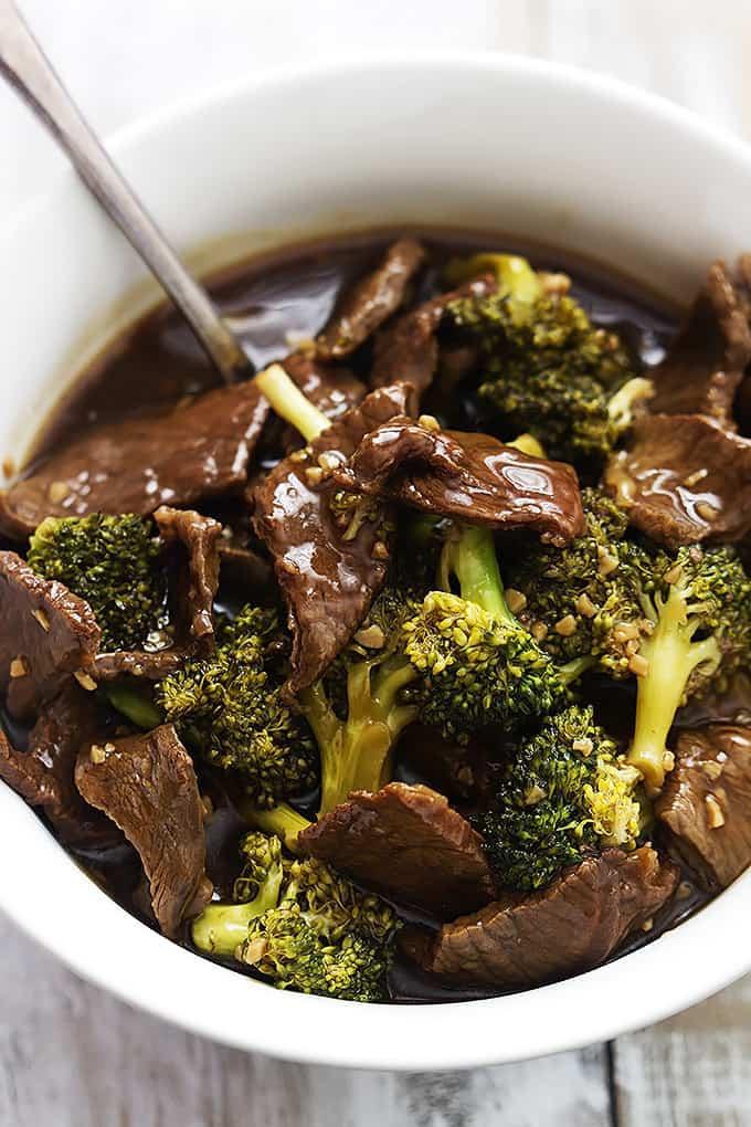 Slow Cooker Broccoli Beef | Creme de la Crumb      www.lecremedelacrumb.com