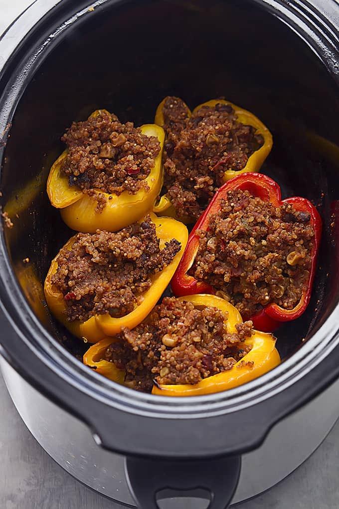 Slow Cooker Southwest Quinoa Stuffed Peppers | Creme de la Crumb