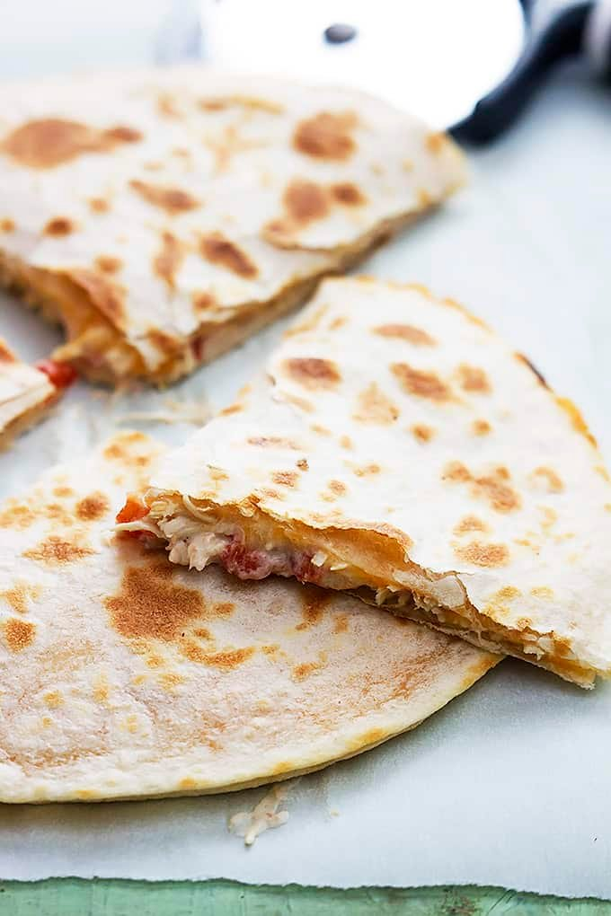 Slow Cooker Chicken Quesadillas | Creme de la Crumb