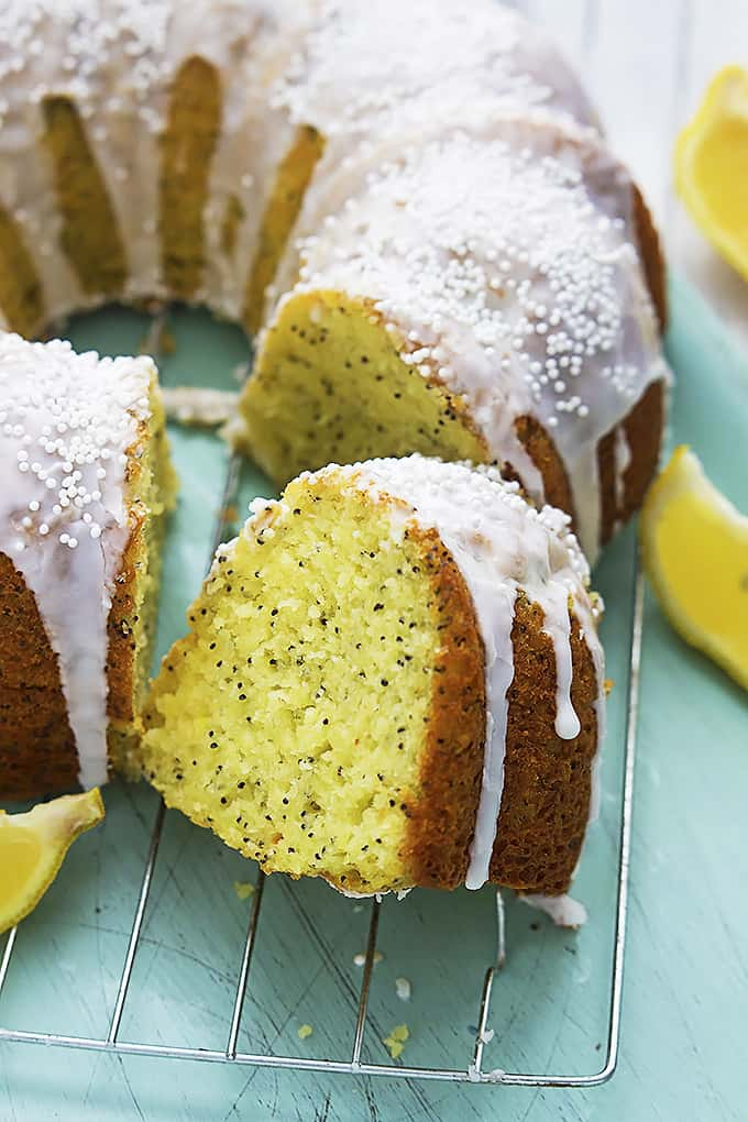 Poppy Seed Bundt Cake Sour Cream
