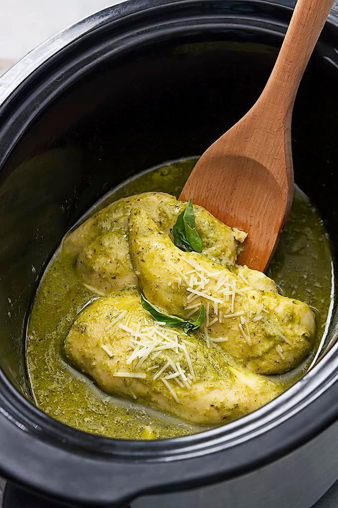 Slow Cooker Pesto Ranch Chicken | Creme de la Crumb