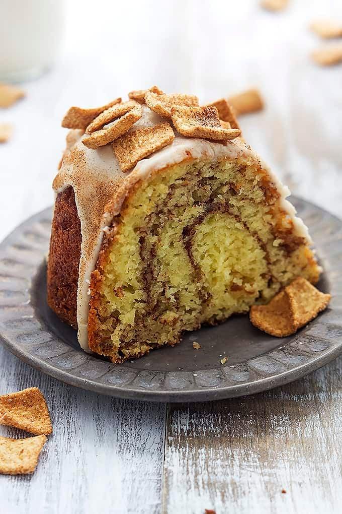 Cinnamon Toast Crunch Bundt Cake | Creme de la Crumb