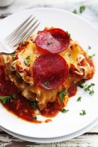 Pepperoni Pizza Lasagna Roll Ups | Creme de la Crumb