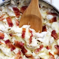 Cheesy Bacon Alfredo Shells | Creme de la Crumb