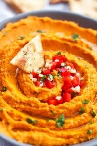 Roasted Red Pepper Hummus | Creme de la Crumb