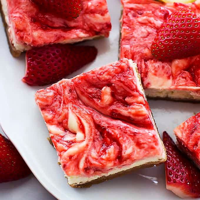 Strawberry Lemon Cheesecake Bars - Creme De La Crumb