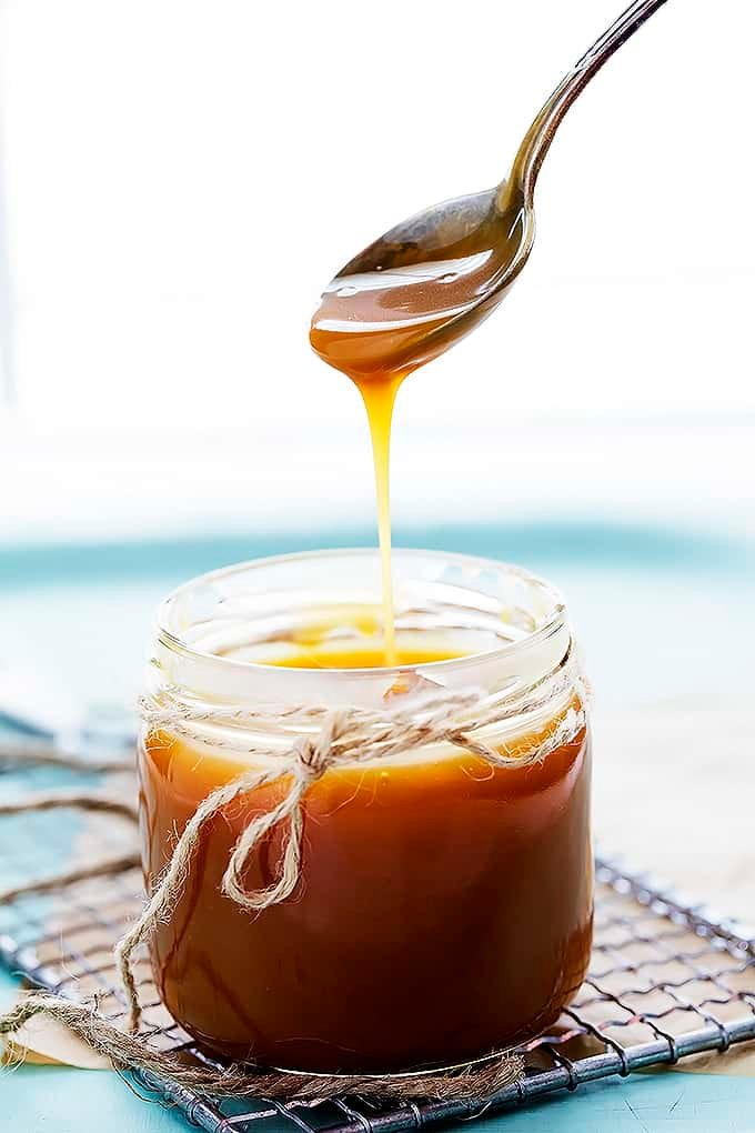 Homemade Salted Caramel Sauce | Creme de la Crumb