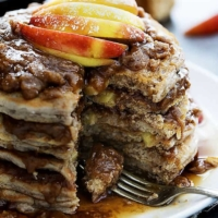 Apple Streusel Pancakes | Creme de la Crumb