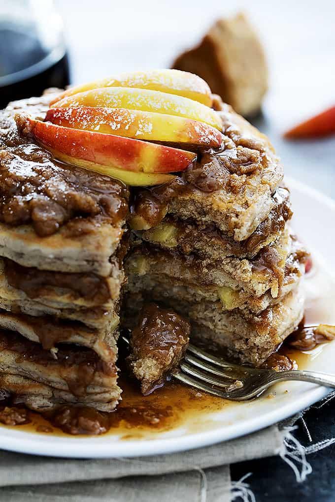Apple Cinnamon Streusel Pancakes | Creme de la Crumb
