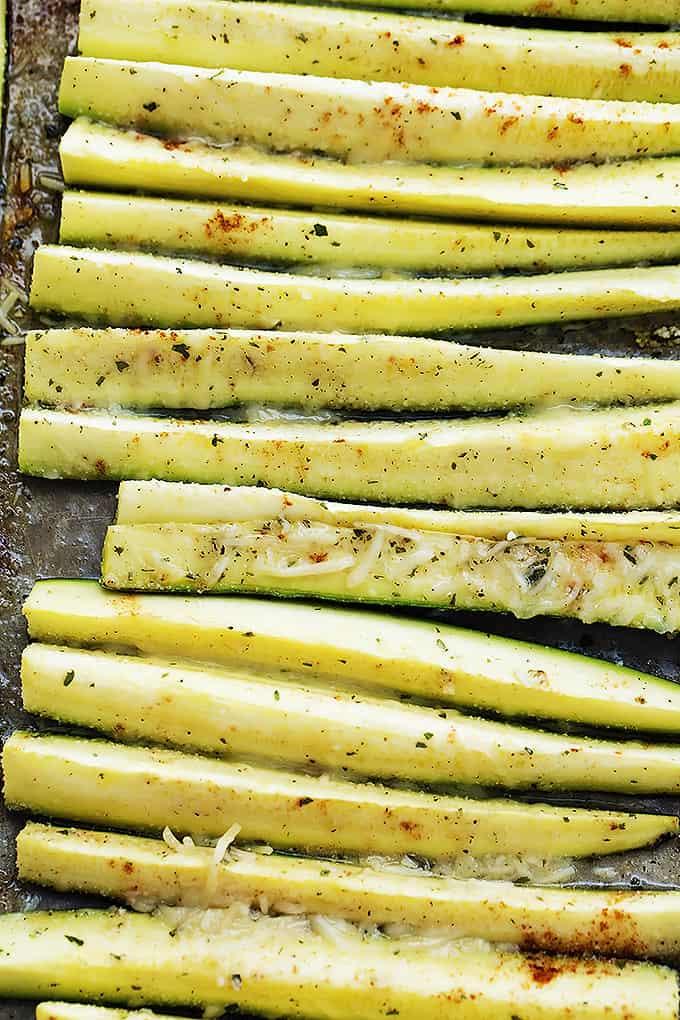 Baked Cheesy Ranch Zucchini | Creme de la Crumb