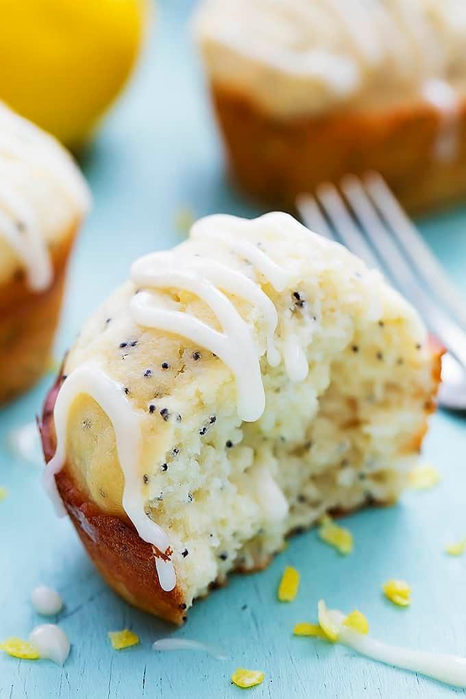 Lemon Poppyseed Muffins | Creme de la Crumb