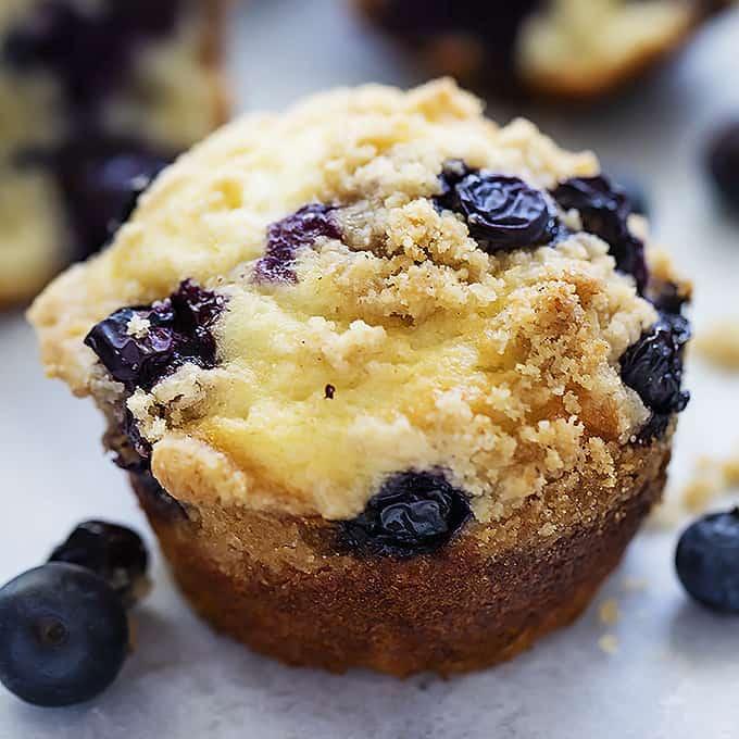 Blueberry Crumb Muffins - Creme De La Crumb