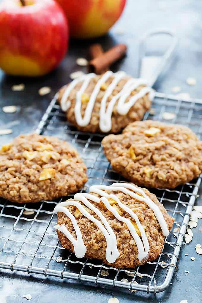 Apple Oatmeal Cookies | Creme de la Crumb