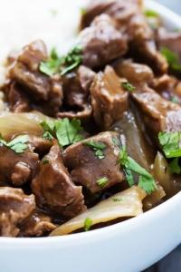 Slow Cooker Beef on Rice | Creme de la Crumb
