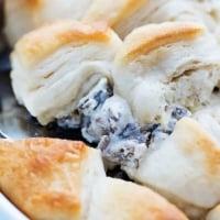 Biscuits & Gravy Breakfast Casserole | Creme de la Crumb