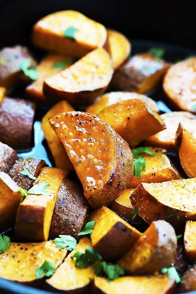 Candied Maple Sweet Potatoes | Creme de la Crumb