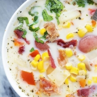 Slow Cooker Potato Bacon Corn Chowder | Creme de la Crumb