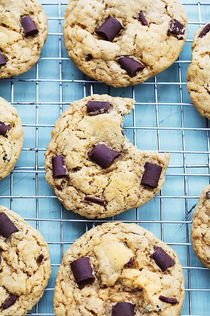 Chocolate Chunk Peanut Butter Cookies | Creme de la Crumb